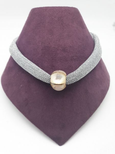 Collana donna in tessuto argentato con ciondolo in madreperla e argento rosato 925 | GIOIELLERIA BRUNI Imperia