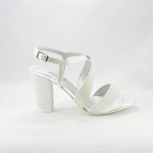 Sandalo donna elegante da cerimonia in tessuto di raso e glitter avorio con cinghietta regolabile e tacco largo.