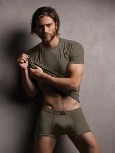 T-shirt uomo in modal ottenuto dalle fibre del faggio colore army. Zenzero'