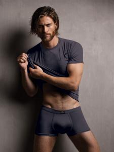 T-shirt uomo in modal ottenuto dalle fibre del faggio colore blue navy. Zenzero'