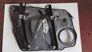 Alzacristallo elettrico porta ant dx usato originale Mercedes-Benz Classe A serie dal 2004 al 2013