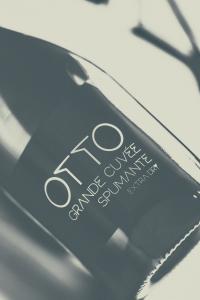 Spumante Otto Grande Cuvèe bottiglia da 0,75 lt