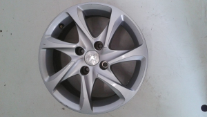 Cerchi in lega usati originali DM 15 Peugeot 208 serie dal 2012>