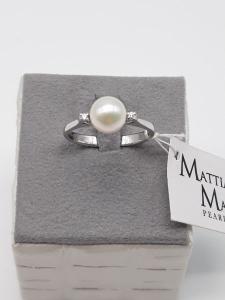 Anello donna in oro bianco con perla e diamanti, vendita on line | GIOIELLERIA BRUNI Imperia