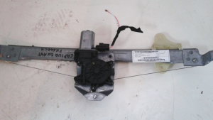 Alzaqcristallo elettrico ant dx usato originale Renault Captur  serie 2013>