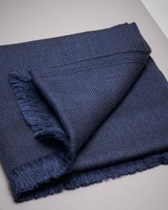 Sciarpa blu micro-armatura in lana e seta