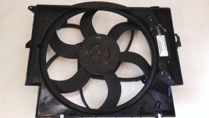 Convogliatore aria con elettroventola usata originale BMW Serie 3 dal 2005 al 2011 320 D.