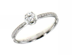 Anello Solitario in Oro Bianco Con Diamanti taglio Brillante