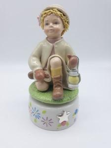 Carillon bimbo con lanterna in ceramica, vendita on line | GIOIELLERIA BRUNI Imperia