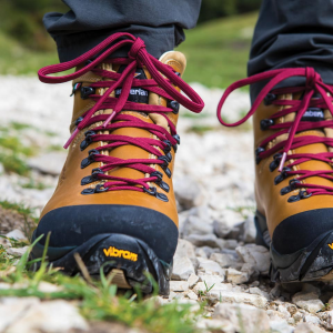 1996 VIOZ LUX GTX® RR WNS - Backpacking Boots - Waxed Camel