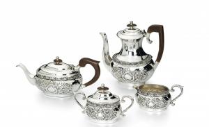 Servizio 4 pezzi da tè e caffè in Sheffield placcato argento stile Cesellato