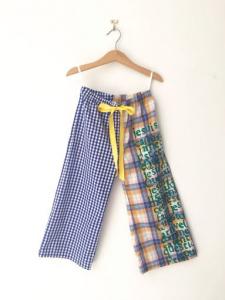 Pantalone multicolore con laccio giallo