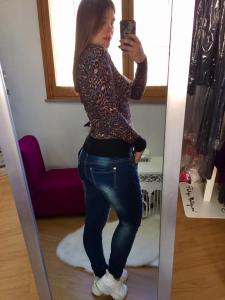 Jeans strappati con inserti