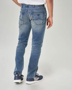 Jeans J06 lavaggio stone wash con sabbiature