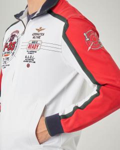 Felpa bianca e rossa con chiusura zip e patch con logo