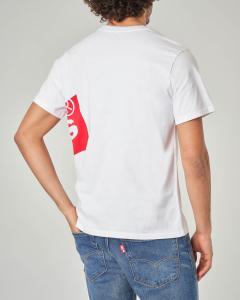 T-shirt bianca con logo batwing grande sul fianco sinistro