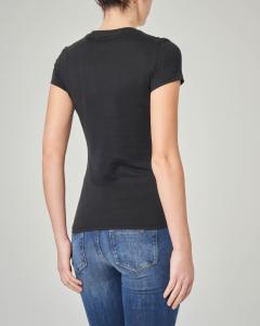 T-shirt nera scollo a V  e scritta con strass