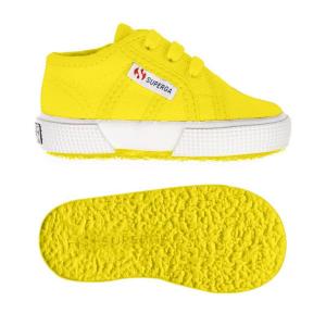 Scarpe gialle con lacci e suola in gomma
