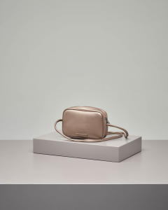 Cross bag color bronzo con logo applicato