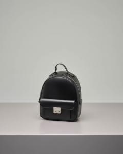 Zaino color nero in ecopelle effetto liscio
