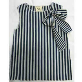 Camicia blu a righe bianche con fiocco