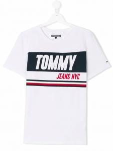 T-Shirt bianca con stampa scritta e righe blu e rosse