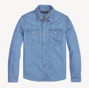 Camicia di jeans azzurra a maniche lunghe