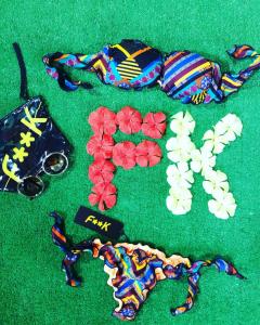 Bikini fascia e slip nodi frou-frou Effek