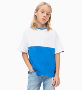 T-Shirt bianca e azzurra