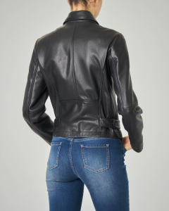 Giacca in pelle nera modello biker