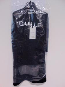 Vestito nero con stampa logo argento