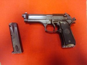 Pistola Beretta 98 usata