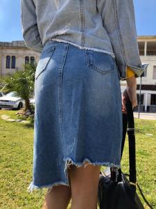 Gonna Jeans con Strappi e bande laterali
