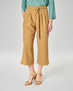 Pantalone culotte colore ocra con fusciacca in vita