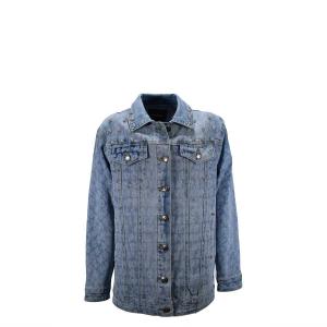 Giubbotto di jeans con borchie e lettere viola a strass