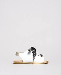 Sandali bianchi con lacci neri
