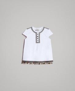 T-Shirt bianca con medagliette