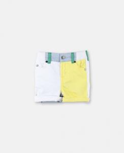Pantaloncino di jeans bianco con dettagli gialli, verdi e celesti