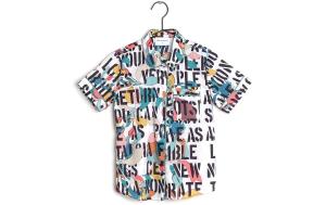 Camicia bianca con fantasia multicolore e scritte nere