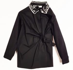 Camicia nera con fiocco