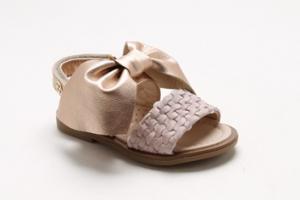 Sandali con fiocco grande
