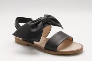 Sandali neri con fiocco e fibbia