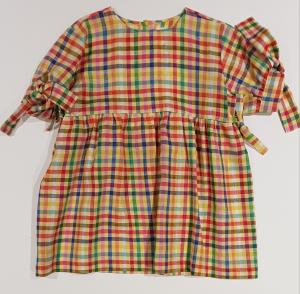 Vestito a righe multicolore con fiocchi