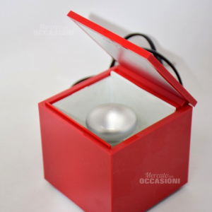 Cubo Luce Rossa (aprendola Si Accende)