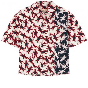 Camicia bianca con stampe conigli blu, rossi e bianchi