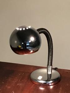 LAMPADA DA SCRIVANIA CROMATA.
