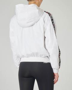 Giubbino leggero bianco con cappuccio e banda logo
