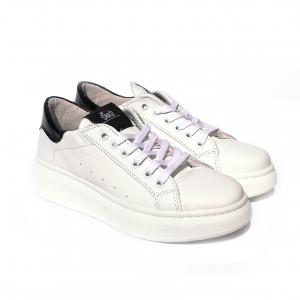 Sneaker bianca con tallone nero In My Shoes