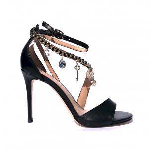 Sandalo nero con catena e charm Guess