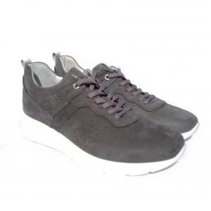 Sneaker grigia Nero Giardini
